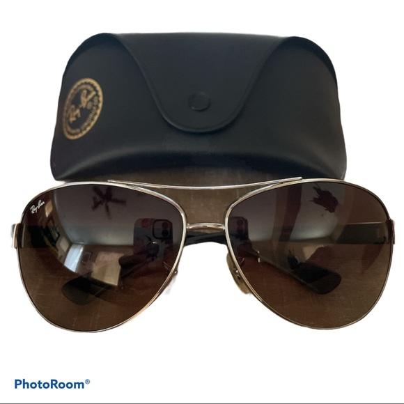 🕶 Ray Bans Sunglasses 🕶